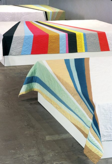 Floppy Cloth: textile exhibition strategies inside the white cube